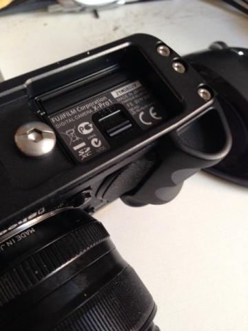 camera grip door